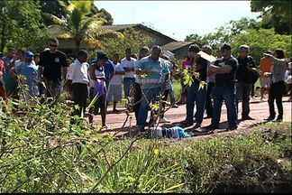 Corpo de garoto é encontrado baleado em estrada na Serra, ES - A polícia informou que a vítima aparentava ter entre 12 e 14 anos.Crime aconteceu em localidade conhecida como Chapadão.