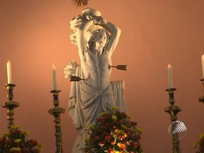 Católicos homenageiam São Sebastião no último domingo - A missa foi celebrada com cânticos gregorianos, no Mosteiro de São Bento.