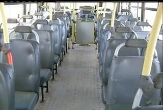 Funcionários da empresa Tamandaré, em Campos dos Goytacazes, RJ, estão em greve - O motivo da paralisação seria o atraso nos pagamentos de salários.Pesquisa recente revelou a insatisfação dos passageiros com as empresas.