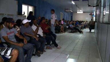População enfrenta filas para conseguir a carteira de trabalho - Muitas pessoas precisam ir pelo menos dois dias para conseguir o documento.
