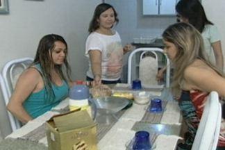 Verão em Cabedelo - A história de Marília, Angelica, Ana Rita e Bárbara, que costumam passar as férias de verão juntas, na praia de Camboinha, em Cabedelo.