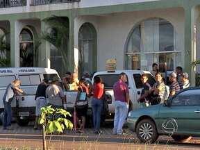 Problemas de atendimento no Sine de Várzea Grande ainda não foram solucionados - Voltamos no local para conferir se aquela força tarefa prometida pelo representante da prefeitura já teria começado. Mas encontramos a mesma fila e as mesmas reclamações.