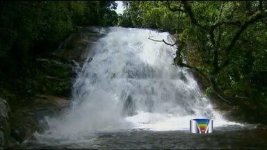Forte correnteza em cachoeira mata turistas em Ubatuba (SP) - Ele foram levados pela força das águas neste fim de semana; dois eram moradores da cidade do litoral norte.