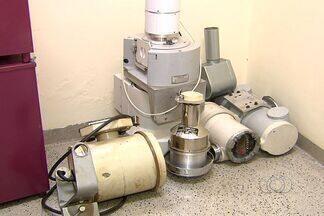 Equipamento suspeito de conter componentes radioativos é encontrado em Varjão, GO - Material deixou população da cidade, a 69 km de Goiânia, assustada. Máquina pode ser levada para reciclagem.