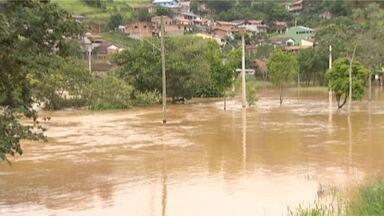 Enchentes voltam a atingir cidades do Vale como São Luiz do Paraitinga - Dois anos após a maior tragédia já registrada no município, as enchentes voltaram a ocorrer em São Luiz do Paraitinga desabrigando famílias. Em São José dos Campos, a situação não é diferente e atinge moradores da zona norte.