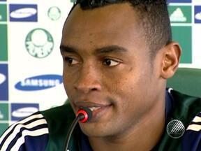 Atacante Obina chega nesta terça no Bahia para realizar exames - Outra novidade no tricolor foi o lateral Magal, já apresentado.
