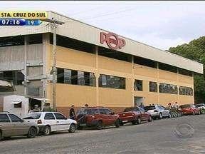 Vendedores ambulantes são transferidos para centro popular de compras em Pelotas, RS - Centro de compras abre todos od dias, das 8h às 20h.