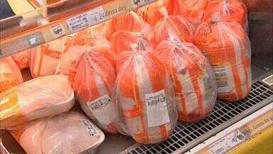 Preço do frango está mais caro - O preço subiu cerca de 40% nos últimos seis meses.