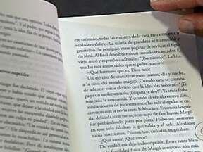Tradução de autores brasileiros se torna negócio rentável - Ganhos com a venda de direitos autorais mais que dobraram em dois anos. Ministério da Cultura promete investir R$ 70 milhões até 2020 na área. A ideia é que os tradutores passem uma temporada conhecendo melhor o lugar em que os escritores vivem.