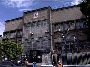 Auditoria na Prefeitura de Nilópolis descobre servidores fantasmas - A auditoria foi aberta pelo prefeito Alessandro Calazans, logo depois da posse, para avaliar a situação financeira da cidade. Segundo o prefeito, de 900 contratados, 400 são fantasmas.