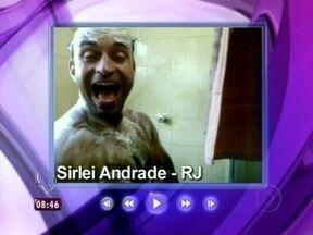 Relembre: Sirlei foi o campeão do Cantando no Chuveiro - Como prêmio, ele ganhou a reforma do banheiro