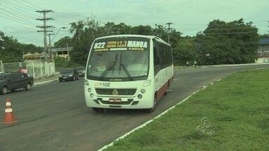 SMTU fiscaliza ônibus executivos em Manaus - O transporte executivo foi alvo de uma fiscalização surpresa da SMTU nesta terça-feira. Quatro ônibus que estavam irregulares foram apreendidos.