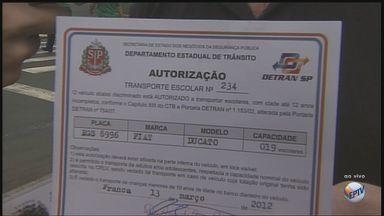 Motoristas de vans escolares precisam renovar autorização para circular em Franca - Último documento expedido pela prefeitura vale até o dia 5 de fevereiro.