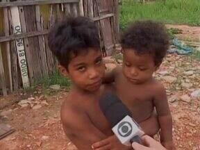 Crianças do bairro Prainha reclamam da falta de espaço para lazer e esportes - Jovens precisam de um espaço de lazer e esportes para evitar o ingresso no mundo das drogas.