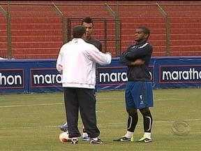 Grêmio estreia nesta quarta-feira (23) na pré-Libertadores - Vargas deve figurar o banco de reservas em Quito, no Equador.