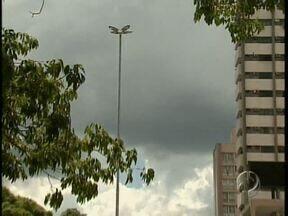 Prefeitura de Maringá deve começar a instalar câmeras de segurança na cidade - Foi assinado hoje o contrato com a empresa que vai fazer o serviço