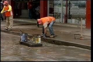 Prefeitura de Montes Claros faz trabalho da limpeza dos bueiros - Prefeitura de Montes Claros faz trabalho da limpeza dos bueiros