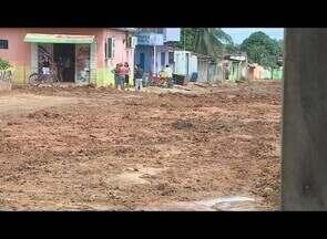 Demora na conclusão de obra em bairro de Porto Velho causa transtornos - Moradores do Bairro Pedrinhas afirmam que há 70 dias as obras em uma rua da região estão paradas.