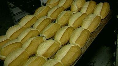 Pão francês fica mais caro, diz pesquisa - Aumento se deu por causa o reajuste da farinha de trigo.