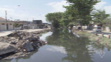 Em São Vicente, SP, obras para resolver problemas com enchente está parada - Obra está parada e preucupa moradores nessa época de chuvas.