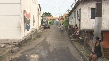 Polícia investiga homicídio de jovem na Praça 14, em Manaus - Um jovem foi morto a tiros na manhã deste sábado (26). O crime aconteceu no bairro Praça 14, Zona Sul de Manaus, e é investigado pela Delegacia Especializada em Homicídios e Sequestros (Dehs).