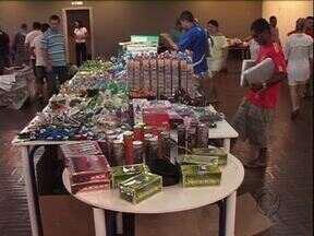 Produtos apreendidos pela receita federal são vendidos em bazar em Paranavaí - O dinheiro arrecadado vai para o observatório social da cidade