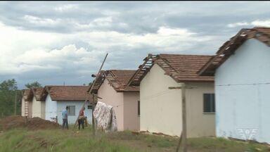 Em Registro vento destelha 80 casas durante temporal - Ninguém ficou ferido