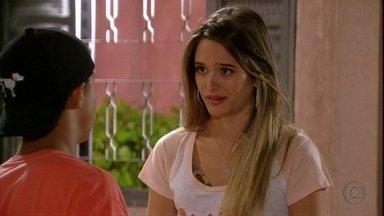 Malhação - capítulo de terça-feira, dia 29/01/2013, na íntegra - Fatinha pede que Pilha a ajude a ficar com Vitor