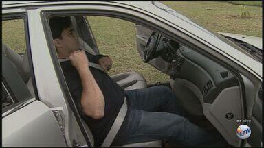 Especialista em trânsito explica importância do cinto de segurança - Segundo o Corpo de Bombeiros, 97% das vítimas fatais de acidentes de trânsito não estavam usando o cinto.