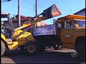 Projeto Cidade Limpa é lançado na região de Bauru, SP - O projeto Cidade Limpa 2013 foi lançado na tarde desta terça-feira (29) no Centro-Oeste Paulista. O mutirão da limpeza é uma iniciativa da TV TEM em parceria com as prefeituras.