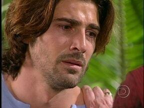 Paco acaba confessando a verdade para Germana - Após um momento de ternura, ela explode por ele ter enganado a todos