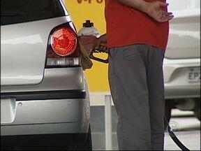 Petrobrás anuncia reajuste de 6,6% na gasolina - Na terça-feira (29), a Petrobrás anunciou um reajuste de 6,6 por cento na gasolina e 5,4 por cento no valor do óleo diesel. Os novos preços devem chegar até a semana que vem nos postos da região.