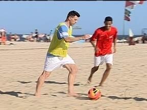 Craques do futsal se divertem na Batalha das Quadras - Lenisio e Simi prestigiam a competição que tem como objetivo achar novos talentos que seja versáteis e completos.