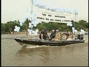 Pescadores mantém tradição em agradecimento à Nossa Senhora dos Navegantes em Ibitinga, SP - Uma tradição mantida mais um ano em Ibitinga, pescadores e moradores de ranchos às margens do rio Jacaré-Guaçu saíram em procissão pelas águas. Momento de fé e agradecimento à nossa senhora dos navegantes.