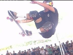 Melhores skatistas do mundo dão show no Rio - Pedro Barros, catarinense de 17 anos, ficou com o título do Mundial de Skate Vertical. Depois de uma noite com febre, o competidor ainda não estava tranquilo na primeira volta, mas fez uma segunda volta espetacular.
