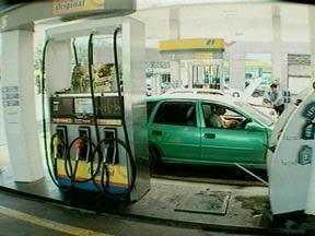 Gasolina já está mais cara em Pelotas, RS - O preço ultrapassou os três reais.