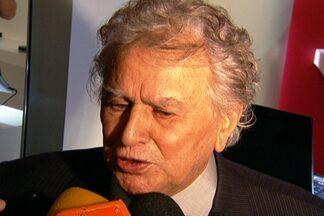 Juvenal Juvêncio revela não estar animado com Ganso no São Paulo - Presidente diz que falta 'cancha' ao meia.