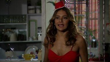 Lucimar diz a Delzuite que Sheila desconfia de Wanda e Russo - A mãe de Morena acha que Sheila está causando intriga por inveja de Morena.