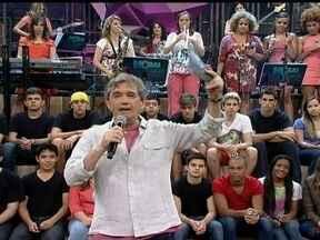 Mais convidados desejam felicidades para o Corujão do Esporte em seu especial de 2 anos - Com direito a 'Parabéns Pra Você' no estúdio do Altas Horas, caçula entre os programas esportivos da Globo recebe homenagem.