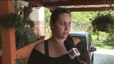 Em Miracatu, moradores ficam assustados com vendaval - As casas ficaram destelhadas e sem energeia elétrica.