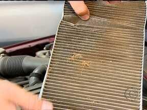 Sistema de ar condicionado dos veículos deve ser conferido duas vezes por ano - Segundo o pneumologista Marcelo Andrade, o ar condicionado sujo se torna um reservatório de poeira, restos de ácaros, fungos e bactérias. Para cuidar da saúde, recomenda-se limpar o sistema pelo menos duas vezes por ano.