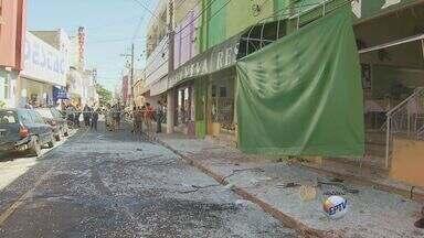 Morre jovem vítima de explosão em restaurante de Mogi Guaçu, SP - Samara Neves Teixeira faleceu na manhã desta quarta-feira (20). A jovem de 20 anos estava internada desde 5 de fevereiro. Ela foi uma das quatro vítimas da explosão em um restaurante de Mogi Guaçi (SP).