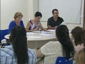 Conselho da Assistência Social se reúne para discutir futuro do Lar dos Velhinhos - Prefeitura estuda aumentar a verba para manter os abrigados no Lar dos Velhinhos. Sexta-feira haverá uma nova reunião com a diretoria da entidade.