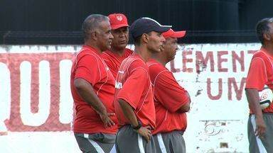 Técnico do CRB afirma que time precisa de reforços - Time segue treinando na Pajuçara para a estreia no hexagonal do Alagoano