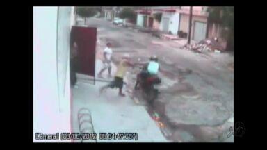 Especialistas orientam sobre como reagir a assaltos - Policial morto é velado em Fortaleza