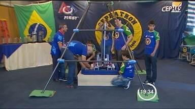 Alunos de duas escolas de São José dos Campos (SP) participam de competição de robótica - Além da experiência, o mais importante é o que eles aprendem em sala de aula pAra desenvolver esses projetos. Um primeiro passo para despertar o interesse e formar futuros engenheiros.