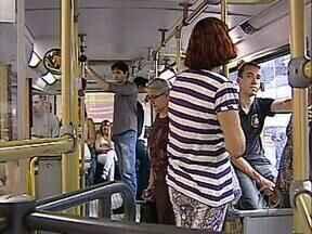 Passagens de ônibus sobem em Londrina para R$ 2,45 - O aumento vale a partir de domingo, dia 24.