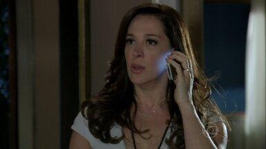 Lívia fica furiosa com a notícia da fuga de Morena - Ricardo e Helô conversam sobre Irina, Wanda, Santiago, Lívia e a ligação entre eles