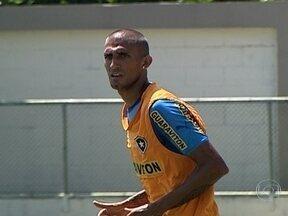 Oswaldo de Oliveira `queima`a cabeça para escalar Botafogo para jogo contra Boavista - Enquanto técnico alvinegro tenta escalar time para o jogo, Rafael Marques pode ter chance na equipe.