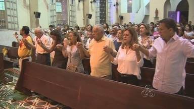 Família celebra missa de um mês da morte dos Belota - Sinopse: Na noite de quinta-feira, foi realizada uma missa de 30 dias de falecimento das três pessoas pertencentes à Família Belotta.